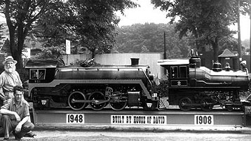 The new engine, completed in 1948, is to the left and to the right is the old Kagne engine which Estele Hornbeck has so graciously recorded in her memoirs ''Concerning the Ingathering of Israel'', 1958. The new steam engine was made entirely by the House of David.